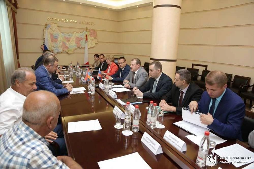 Вопрос строительства логистического продуктового центра обсудили в Правительстве области с делегацией Армении
