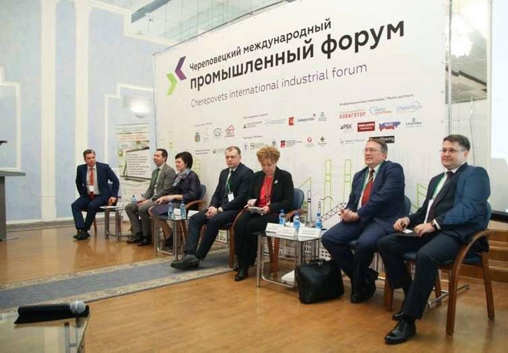 Взаимодействие власти и бизнеса в вопросах развития городской среды обсудили в Череповце